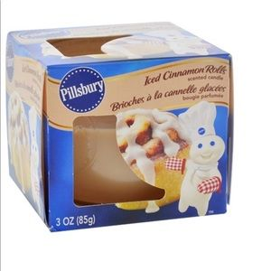 NEW Pillburry Cinnamon Roll Scented Candles